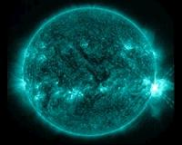 NASA detects solar flare pulses at Sun and Earth
