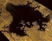 Cassini finds Titan has 'sea level' like Earth