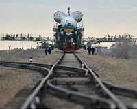 Soyuz-FG launch vehicle assembly suspended as part of MS-10 Mission probe