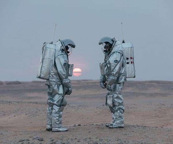 amadee-18-program-analog-astronauts-joao-lousada-and-stefan-dobrovolny-sunset-hg.jpg