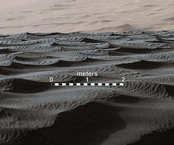 dec-13-2015-mars-sand-dune-curiosity-hg.jpg
