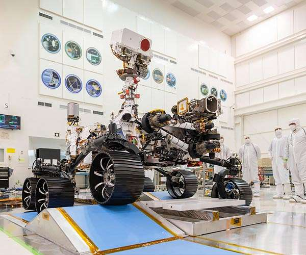 mars-2020-rover-completes-first-drive-hg.jpg