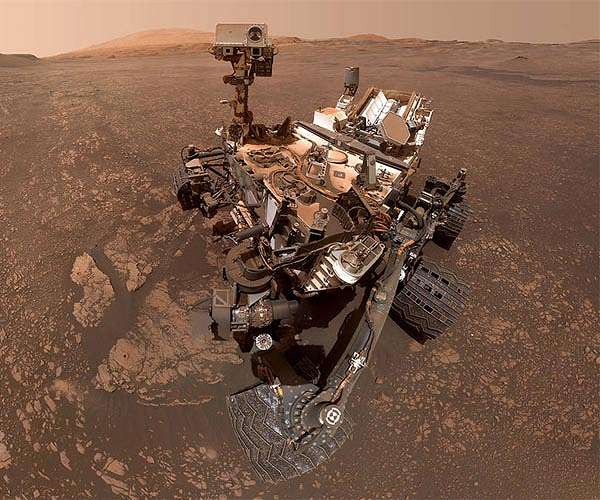 mars-science-laboratory-curiosity-rover-selfie-may-2019-hg.jpg