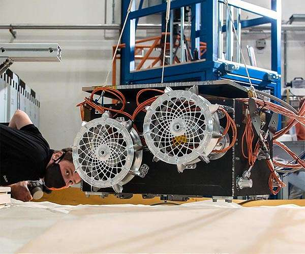martian-moons-exploration-mmx-rover-drop-test-dlr-test-box-hg.jpg