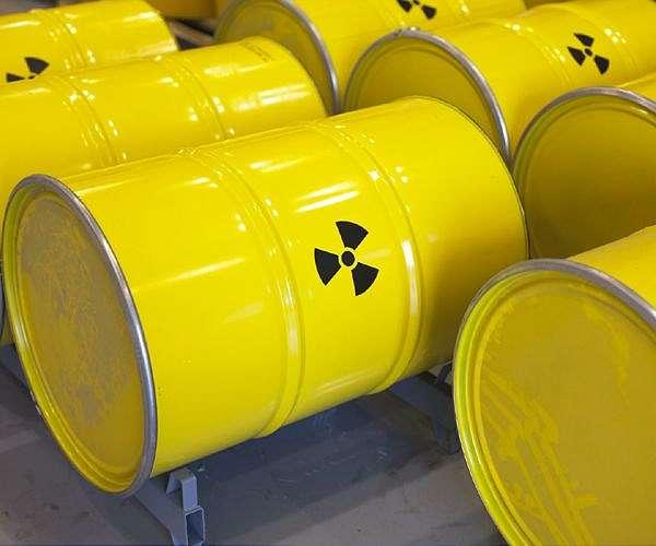 [Image: nuclear-waste-barrells-yellow-hg.jpg]