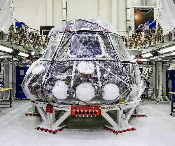 orion-crew-module-exploration-mission-1-hg.jpg