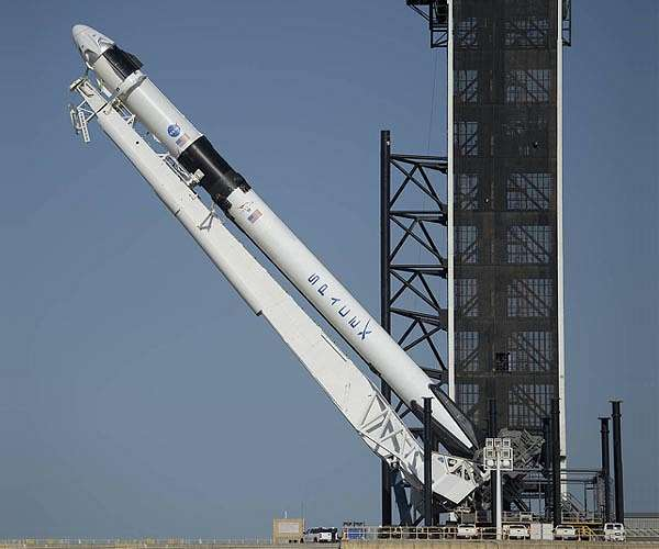 https://www.spxdaily.com/images-hg/spacex-falcon-9-crew-dragon-demo-2-pad-raise-hg.jpg