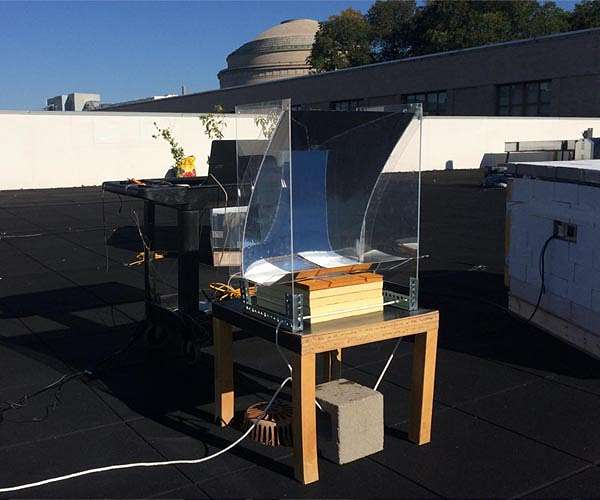 sun-soaking-device-turns-water-into-superheated-steam-hg.jpg