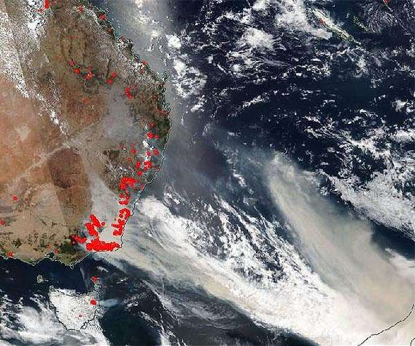 suomi-npp-viirs-australia-east-coast-fire-smoke-tracks-hg.jpg