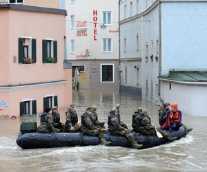 flood-germany-town-street-zodiacs-lg.jpg