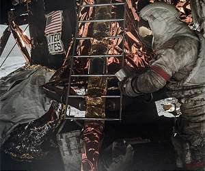 lunar moon dust apollo astronaut gene cernan lg