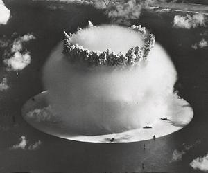 nuclear test underwater lg