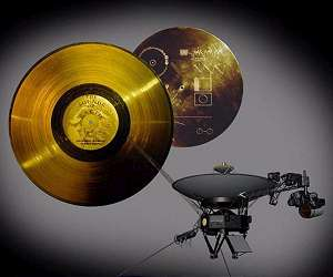 [Image: voyager-spacecraft-and-its-golden-records-lg.jpg]